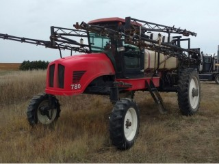 2000 Apache 780 Sprayer