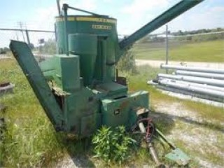 John Deer 700 Grinder For Sale in Ridgeville,SC (29042)